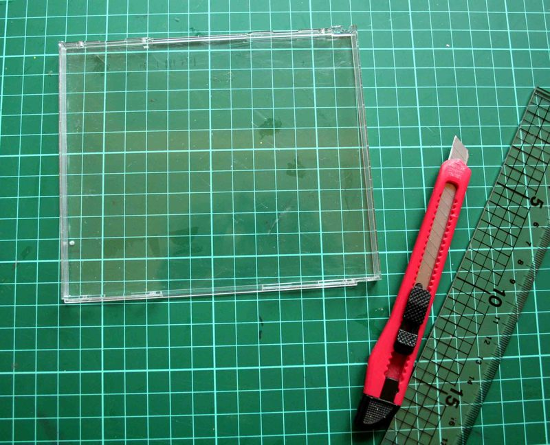 how to cut a cd case